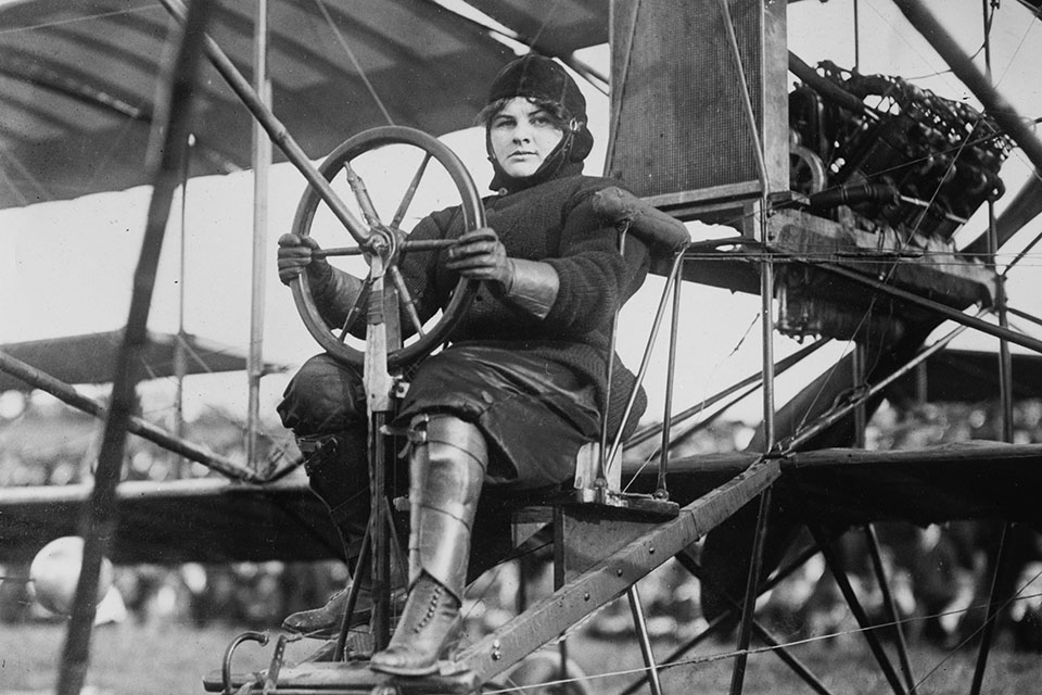 Blanche Stewart Scott was the only woman to be taught to fly by Glenn Curtiss. (Library of Congress)